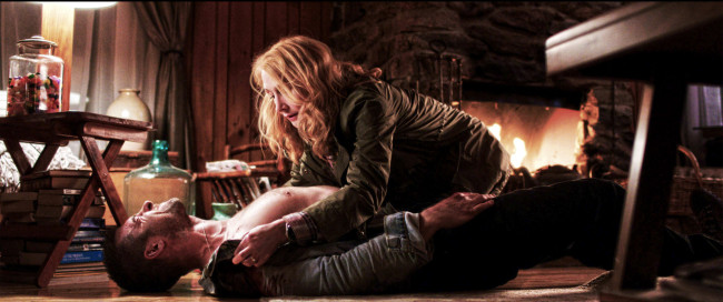 Scott Speedman and Patricia Clarkson in October Gale