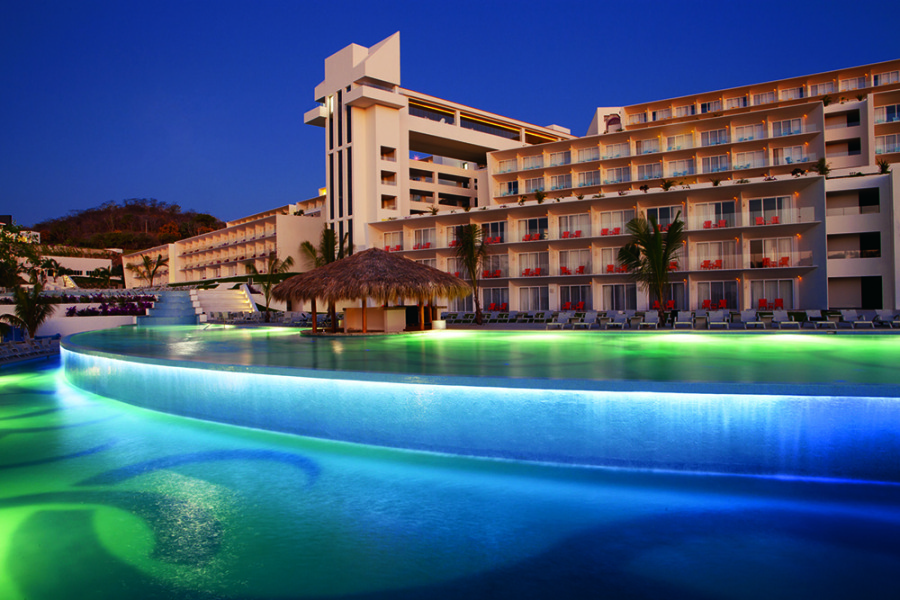 Secrets Huatulco - Pool