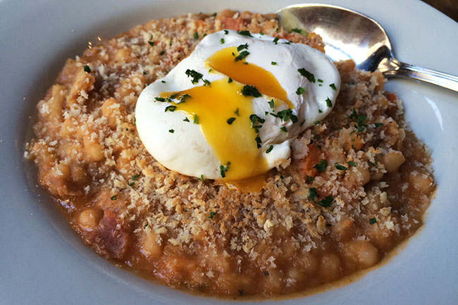 Breakfast_cassoulet_Jules_French_Bistro_Gastown
