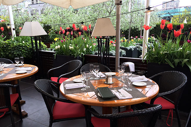 Joes Fortes' patio (Jess Fleming / Vancity Buzz)
