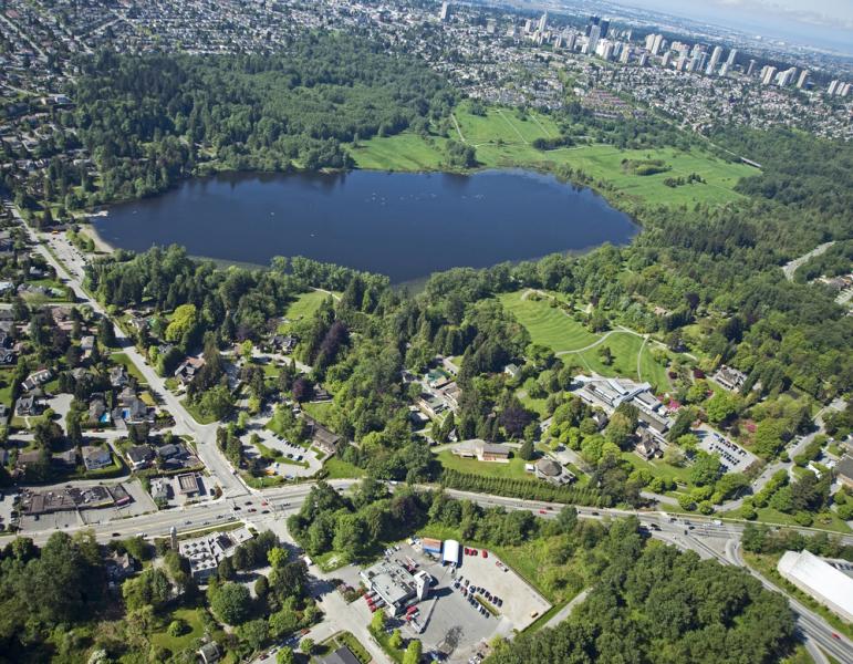 Deer Lake Park via Shutterstock