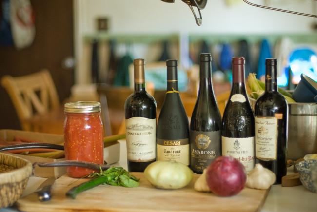 Pairing wine with food (Don LaVange/Flickr)