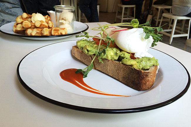 Avo_Smash_33_Acres_Brunch_Vancity_Buzz