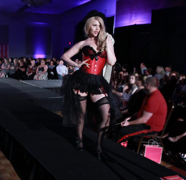 2014 fashion show (Supportive Start)