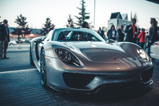 Porsche (image: Nima Zadrafi)