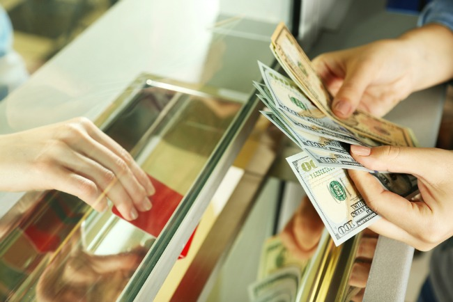 Image: Currency Exchange/ Shutterstock