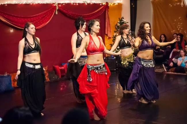 Dancers at Tha Realm (Brendan Lally Photography)