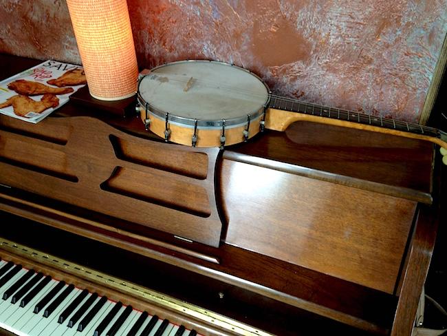 Piano, banjo (Lindsay William-Ross/Vancity Buzz)