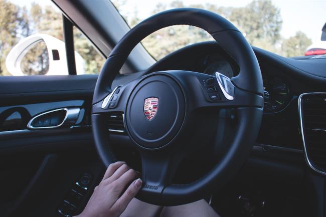 Even the steering wheel is beautiful (Zack Melhus)