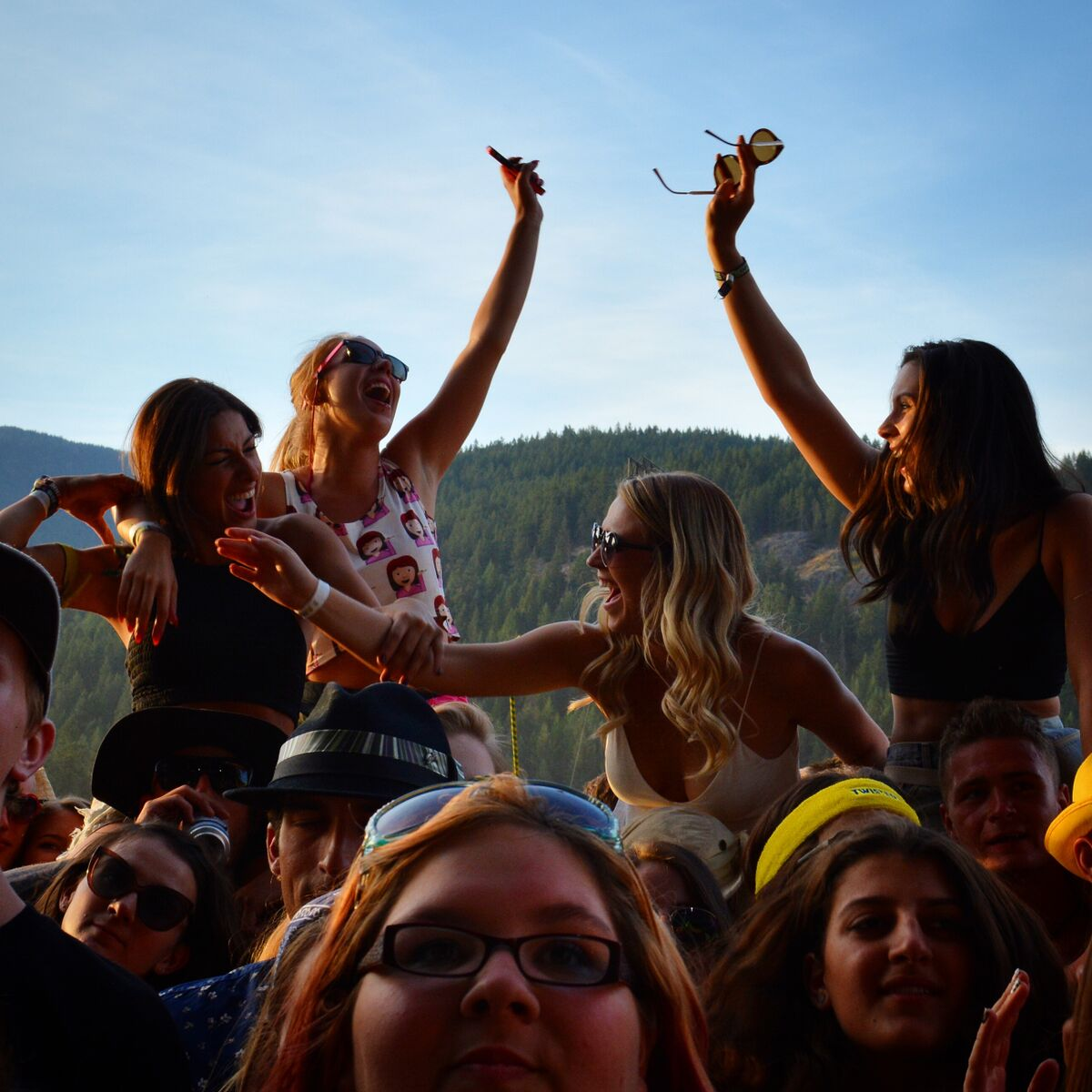 Pemberton Music Festival 2015 girls 2