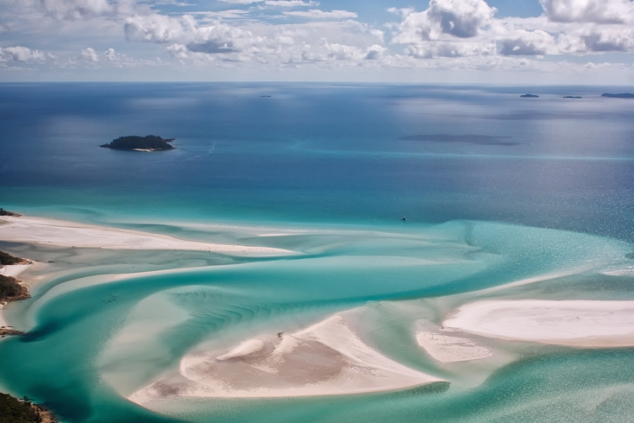 Image: Whitsunday Island via Shutterstock