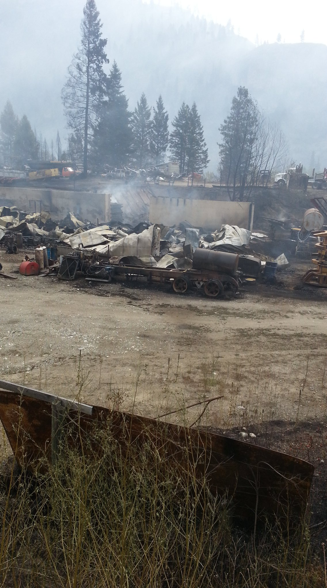 Image: Tay Ferguson via Rock Creek Fire and Evacuee Information Group / Facebook