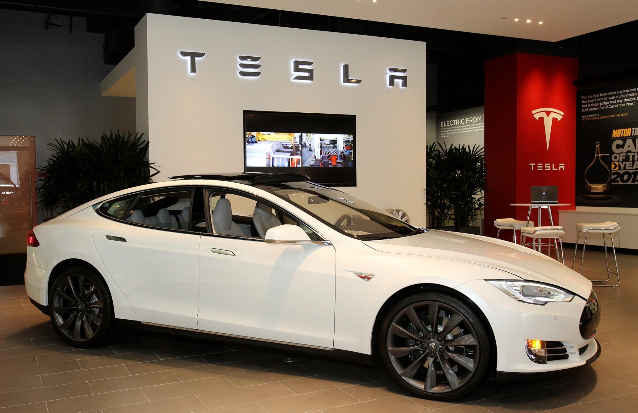 Tesla, Vancouver, Flagship