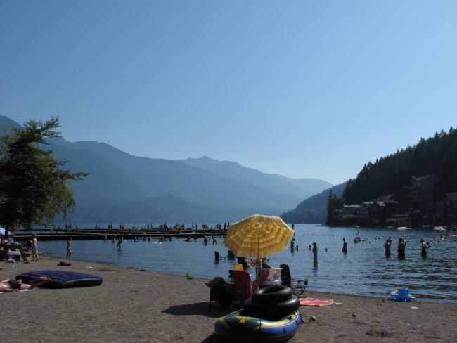 Relax at Cultus Beach (Kyle Pearce/Flickr)