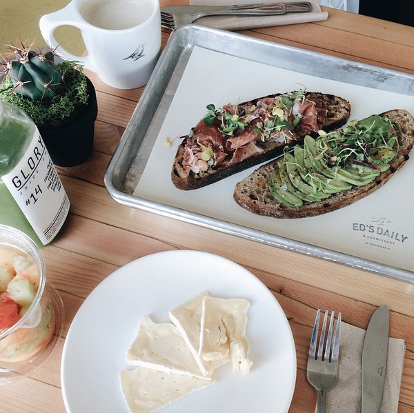Avo_on_toast_Eds_Daily_Vancouver