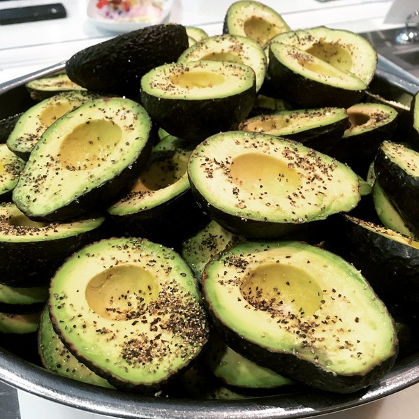 Avo_on_toast_Tractor_foods