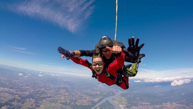 Enjoying a freefall (A.J Homorodean)