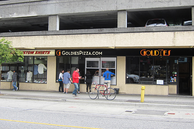 Goldies_Pizza_Window
