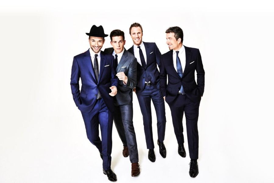 Tenors_BlueSuits_Group