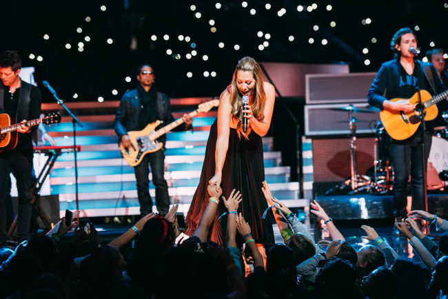 Colbie Caillat performs (Brandon Artis Photography)