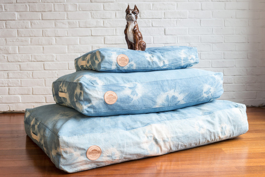 Hand-dyed Handsome Mountain dog beds.