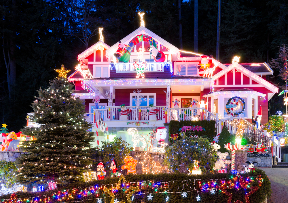 Image: North Vancouver lights via Shutterstock