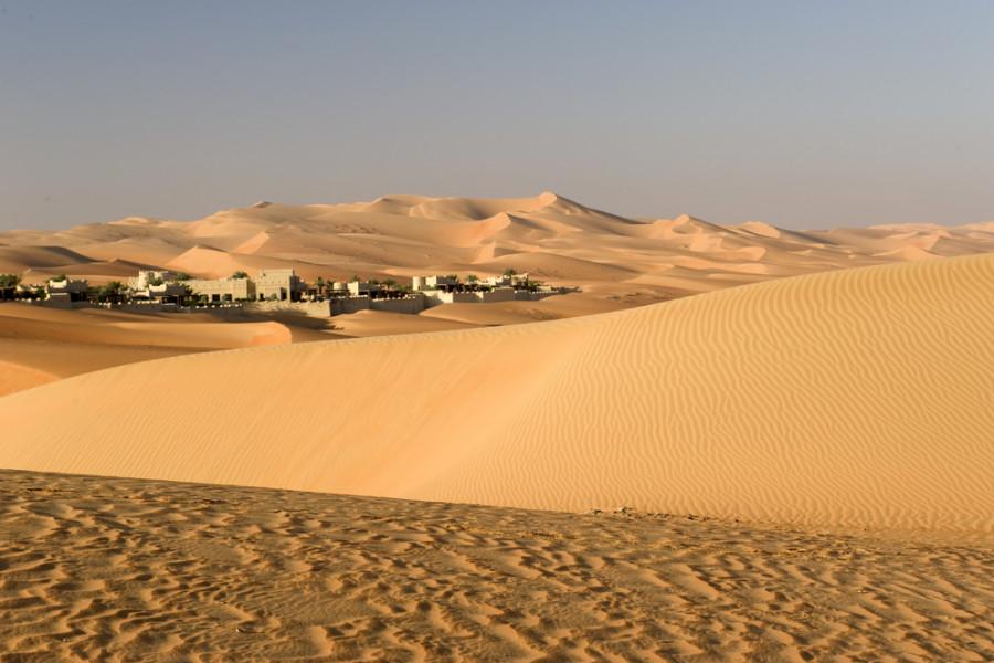 Image: Abu Dhabi desert / Shutterstock