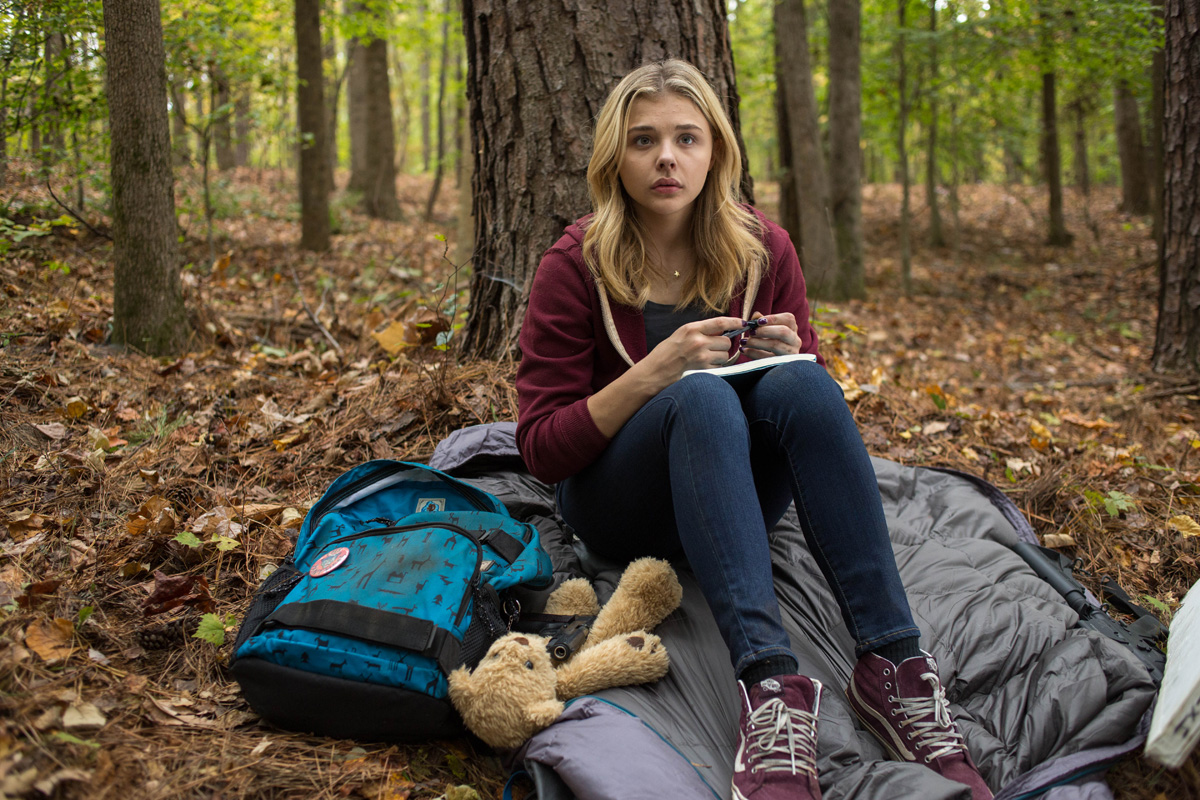 The Fifth Wave Movie Review Vancity Buzz Dan Nicholls