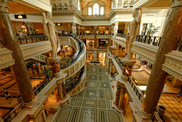 Forum Shops at Caesars Palace/Daniel Ramirez, Flickr