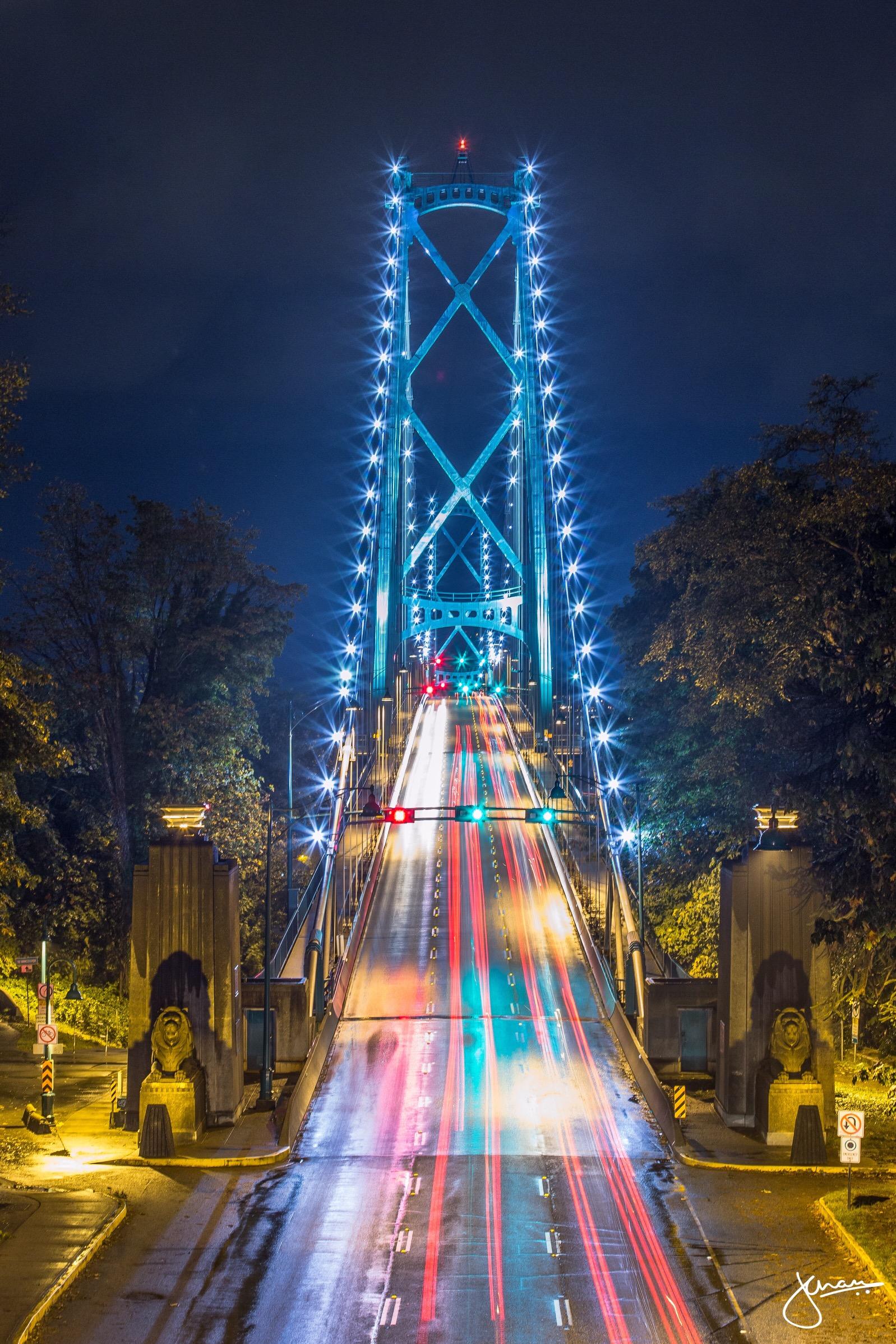 Lions Gate Traffic / Jenn Chan