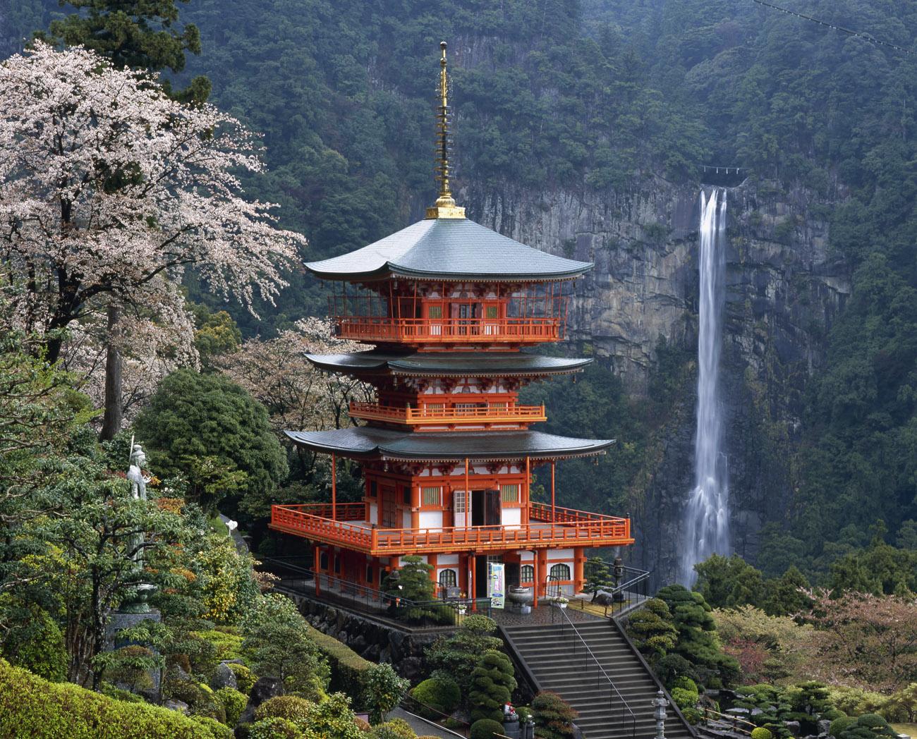 Nachi Waterfall / JAL