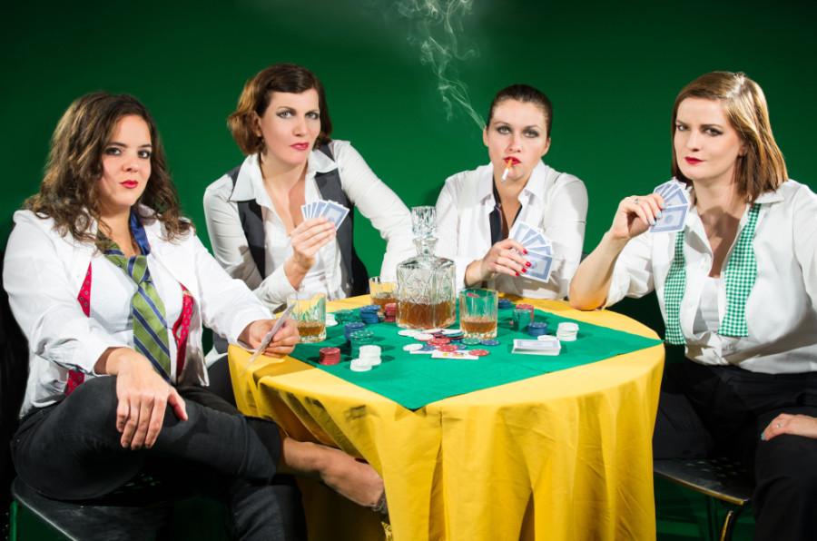 STRAPLESS PRESS PHOTO - Poker Game