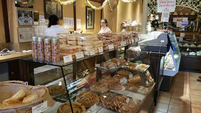 Notte's Bon Ton Pastry & Confectionery/Facebook
