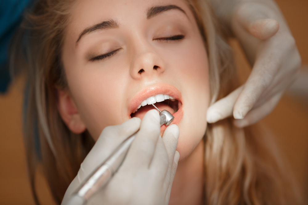 Dentist appointment / Shutterstock