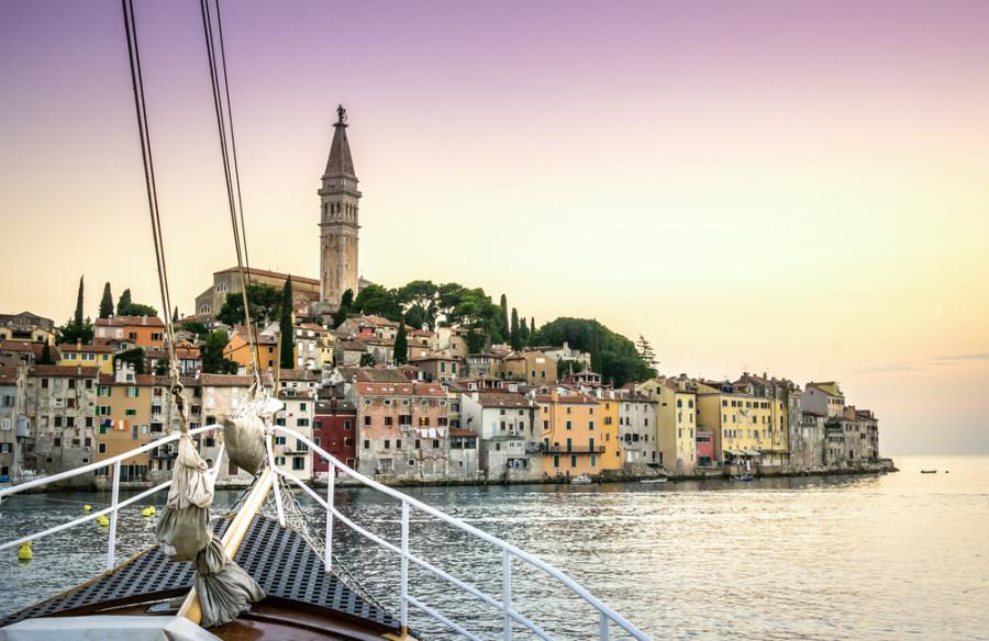 Image: Sail boat in Croatia / Shutterstock