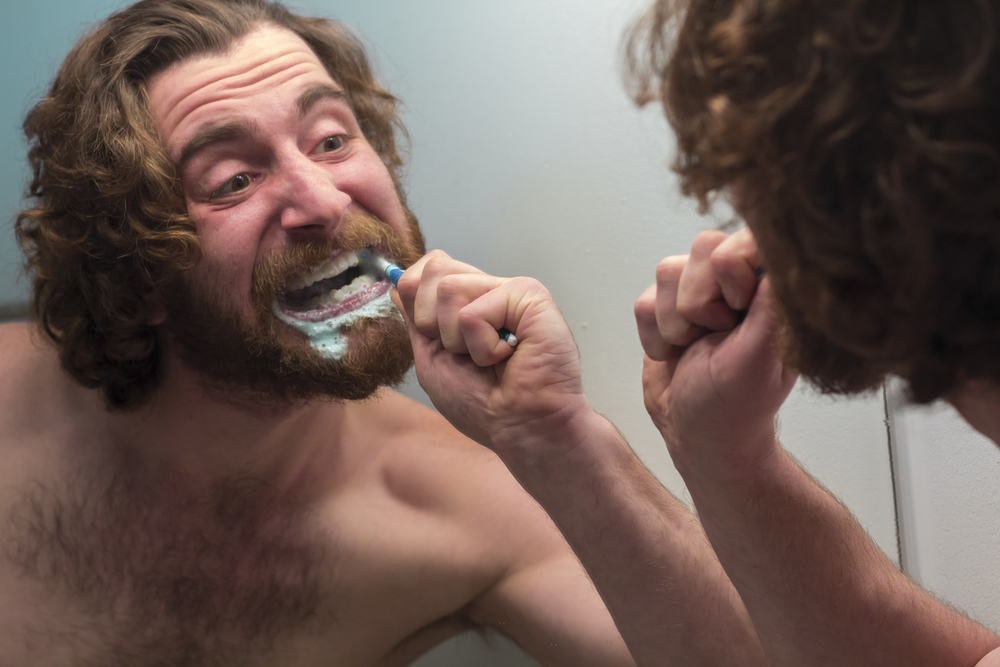 Brushing teeth / Shutterstock