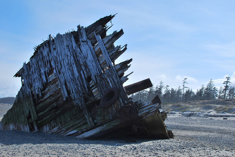 Pesuta shipwreck on the East Beach Trail in Haida Gwaii (Karen Neoh/Flickr)