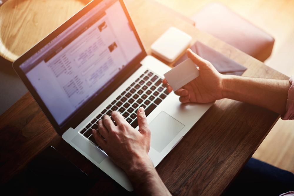 Online shopping / Shutterstock