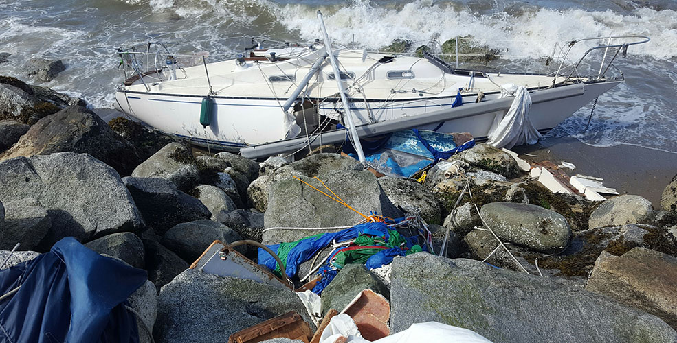 Sailboat wrecked on Sunset Beach in Vancouver (Tower 14)