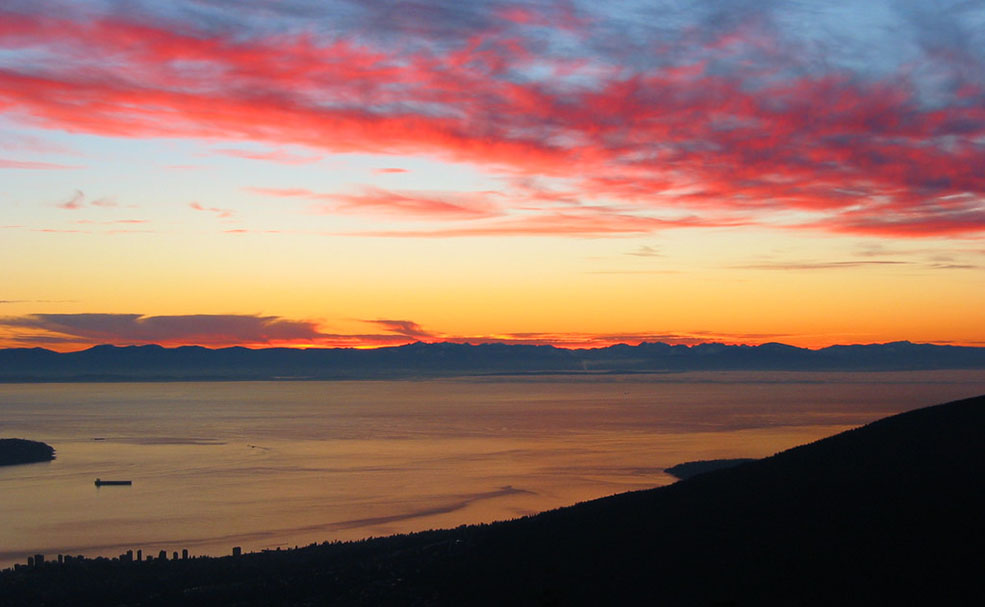 Sunset from Grouse Mountain (Robert Nyman/Flickr)