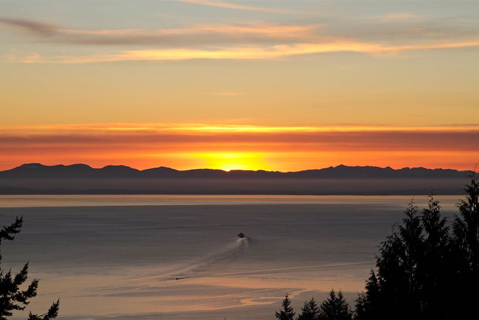Sunset from the Cypress Mountain Lookout (Mike/Flickr)
