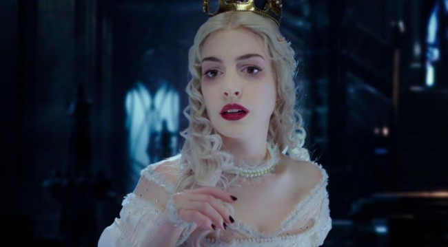 Anne Hathaway as the White Queen. Image: Disney